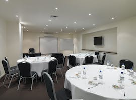 Chancellor Four, meeting room at Hotel Grand Chancellor Melbourne, image 1