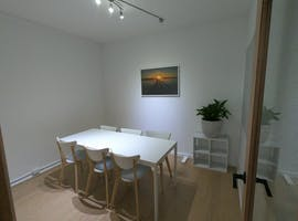 Practical meeting room for six in the heart of Long Jetty, image 1