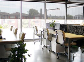 Window desk, dedicated desk at Coworking Hub, image 1