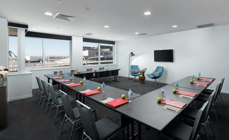Skyhawk, multi-use area at Rydges Sydney Airport, image 1