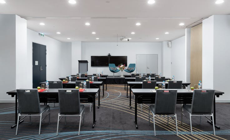 Hercules, multi-use area at Rydges Sydney Airport, image 1