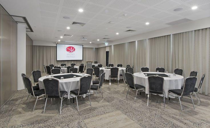 White Swan Room, multi-use area at Metro Hotel Perth, image 1