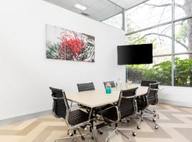 Move into ready-to-use open plan office space for 10 persons in Regus Kew, private office at Kew, image 1