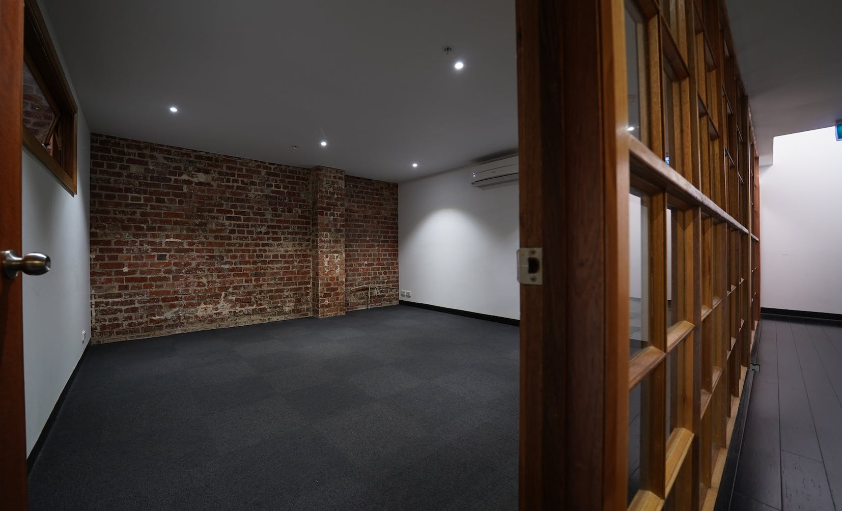 LF2, private office at Warehouse 48, image 1
