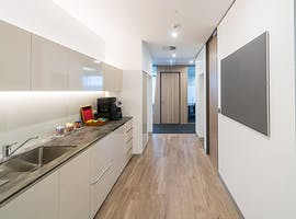 STOP! Rent right ow a large office for more than 6 people in Collins Street , serviced office at Melbourne, image 1