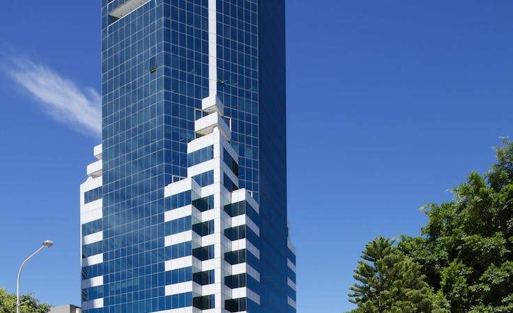 Stop! Rent right now a large office for more than 6 people in Gold Coast, 50 Cavill Avenue, hot desk at 50 Cavill Avenue, image 1