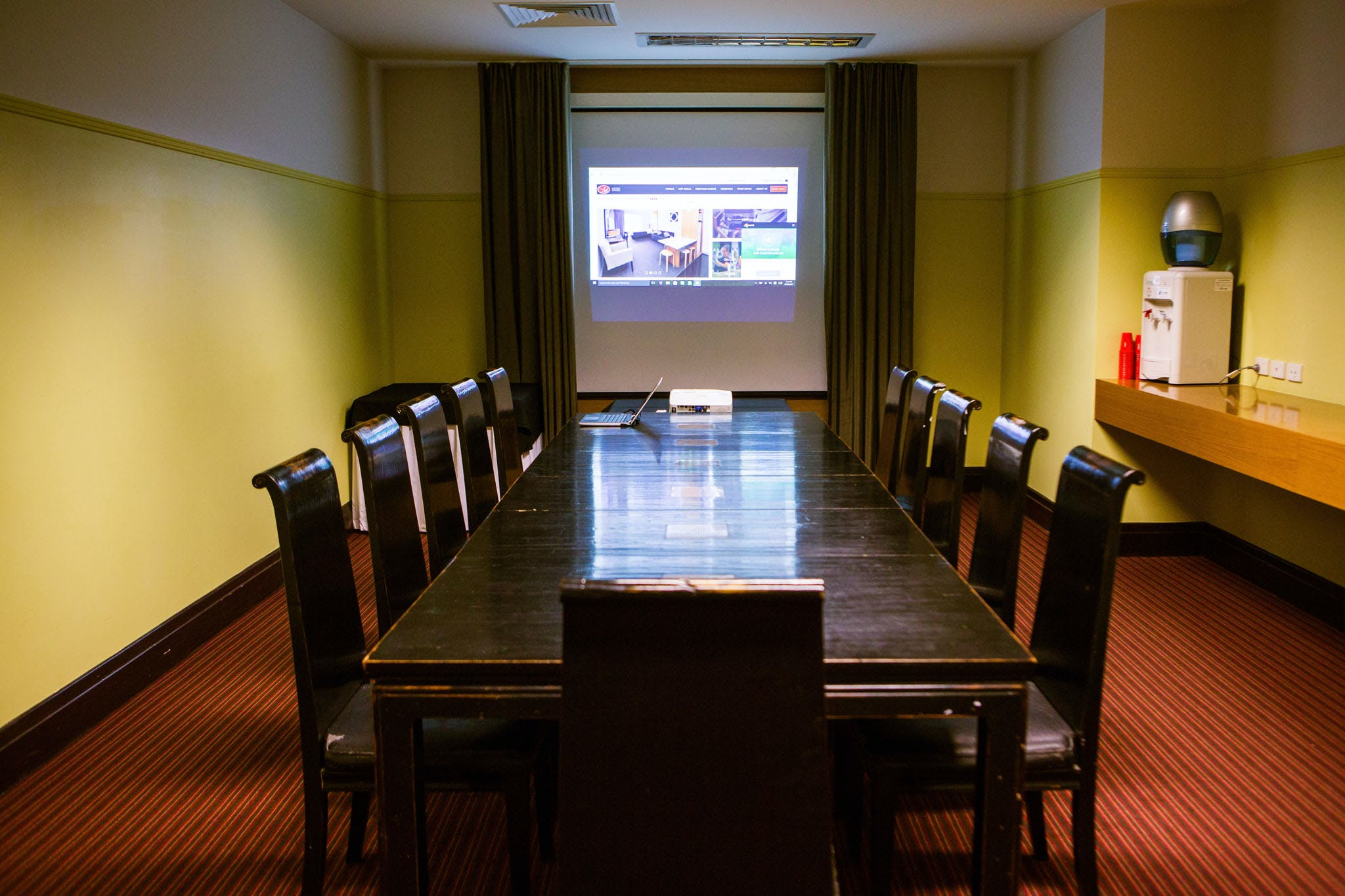 Bundamba Boardroom, meeting room at Metro Hotel Ipswich International, image 1
