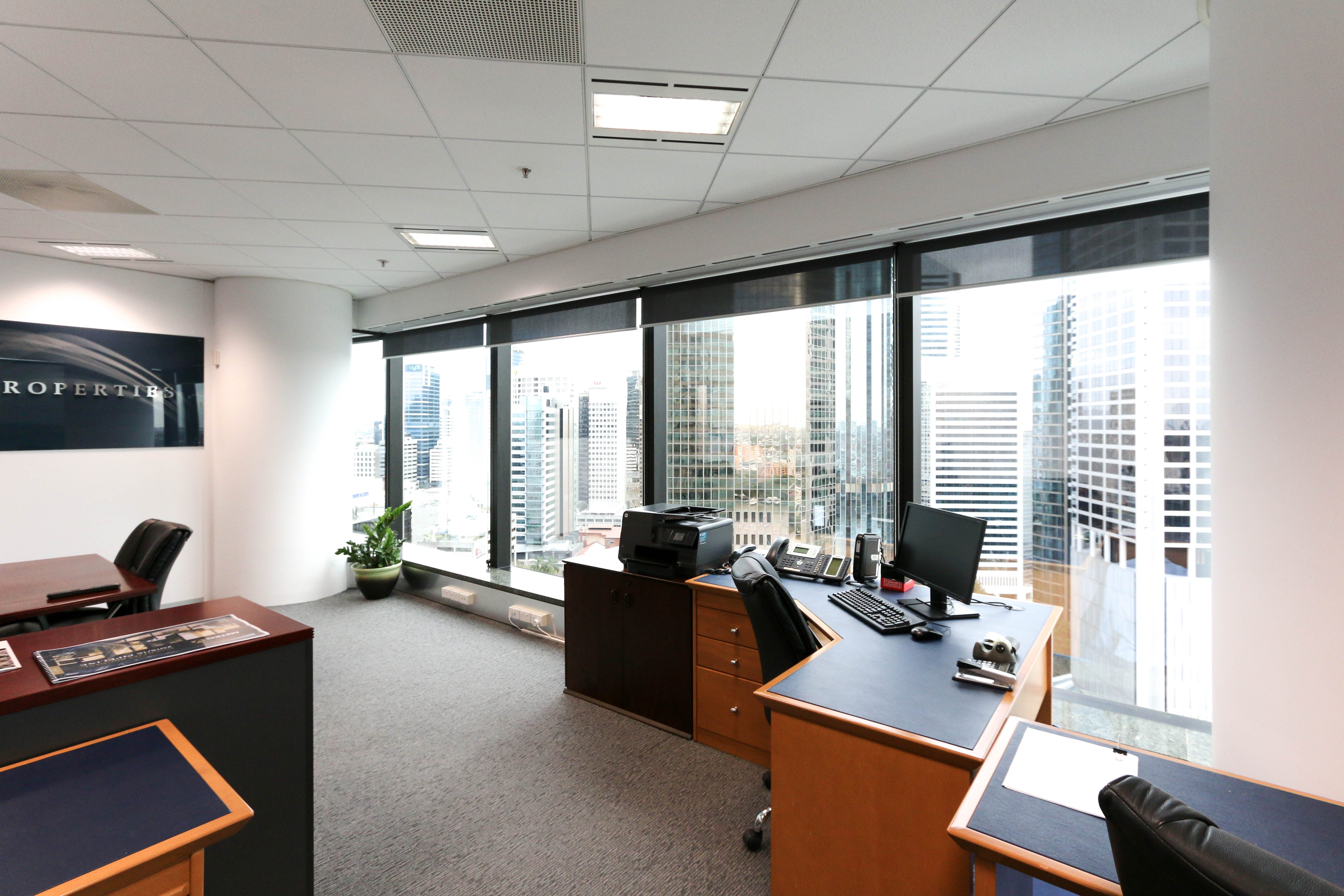 Private office at Waterfront Place, image 3