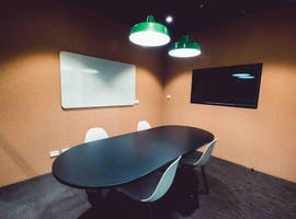 Consult 1 - Level 2, meeting room at Waterman Caribbean Park, image 1