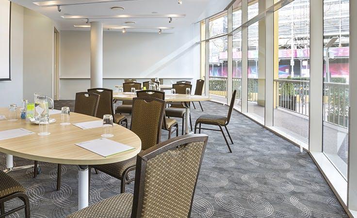 Waratah Room, multi-use area at Holiday Inn Potts Point, image 1