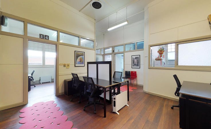Hot desk in a community environment in Footscray, image 1