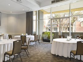 Bottlebrush Room, multi-use area at Holiday Inn Potts Point, image 1