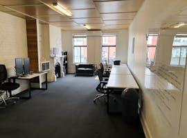 Macaulay Road, private office at Kensington, image 1