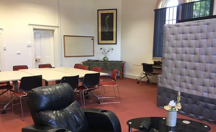 The Dawson room, training room at Mogulnet Business Hub, image 1