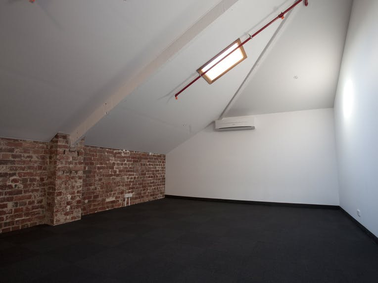 LF5, private office at The Cottonmills, image 1